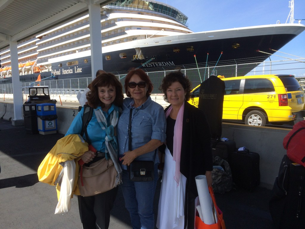 Marilyn Dietrich, Maria Medeles and Holly Monroe about to board msWesterdam